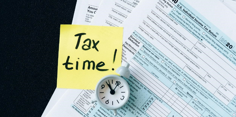 What Is A 1099 Form and How Do I File Taxes With It